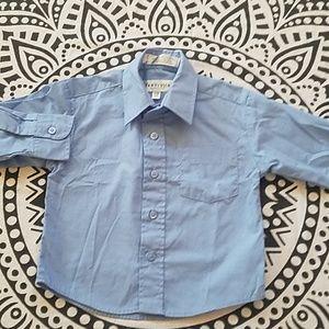 🧒Van Heusen button down long sleeve shirt 2T🧒